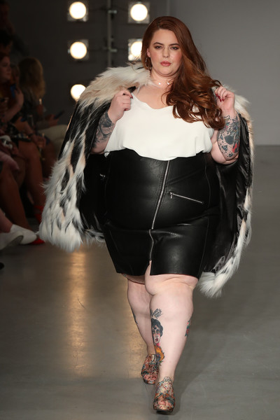 Tess+Holliday+SimplyBe+Curve+Catwalk+During+uVaT_0xLTnAl